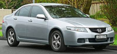 800px-2003-2005_Honda_Accord_Euro_sedan_(2011-07-17).jpg